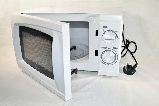 white-low-power-genix-microwave-1600px